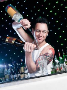 Flair bartender